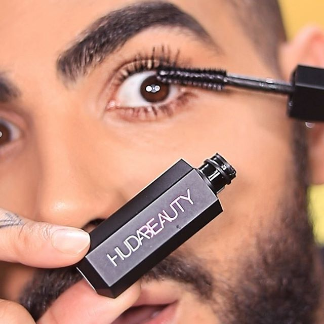 First impressions of #Legitlashes by @hudabeauty all I have to say is I love it, the results are insane as you can see. 😱🙌🏼🙌🏼 _ @hudabeautyshop @monakattan  _ #hudabeauty #legitlashes #hudabeautymascara #eyes #lashes #makeupvideo  #beautyboy #ctilburymakeup #narsissist # #makeup #blush #aesthetic #aesthetics #aestheticmakeup #makeuptutorial #makeupideas #makeuplook #wakeupandmakeup #makeupforbarbies #makeupparty #hudabeauty #bronzer #primer #eyelook #eyeshadow #nudemakeup #макияж #макияжглаз