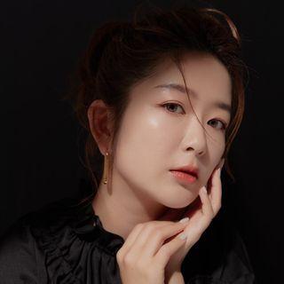 Charlene Liu 查理