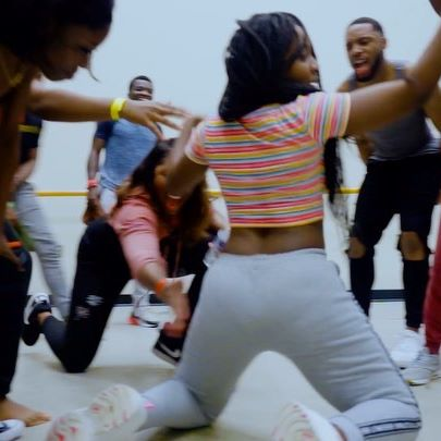 this is how i'm losing my home training when this whole pandemic is over 🥵 (stay safe guys❤️) _______________________________________________ 🎵: Scatter  @fireboydml Featuring: @skoobi.e FULL VIDEO DROPS SOON!! ————————————————————— #fireboydml #ybnl #coronavirus #socialdistancing #bootyworkout #quaratine #scatter #partyscatter #imamofpeace #maryland #philly #dmv #foodporn #afrodance #coupedecale #ndombolo #afrofusion #afrohouse #tiktokchallenge #bants #covid_19 #explore #savagechallenge #phillydancer #davido #chefchi #30bg #2020 #comedy #socialdistancing #selfisolation  I don't own rights to this music!