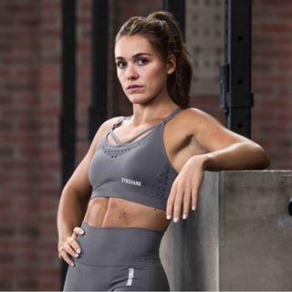 LUCY DAVIS | Workout Queen 💪🏼