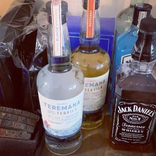It's finally time to suckle on the teet of cinco de mayo - @teremana tequila !! #cincodemayo #teremana