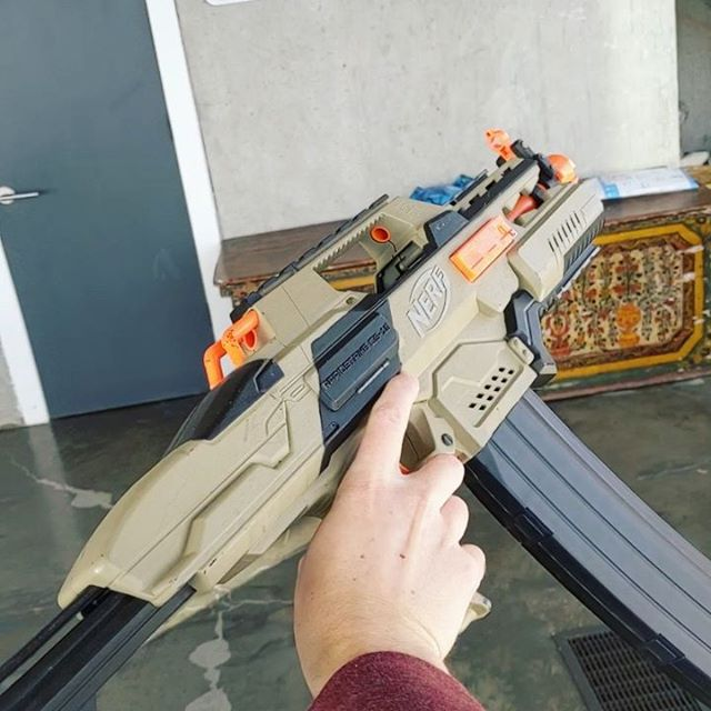 Just rewired one of our old Rapidstrikes that was painted by Coop772 and given to us as a gift for one of our old videos (Nerf War: Halloween Horror). Needless to say, she rips #nerf #nerfwar #pdkfilms
