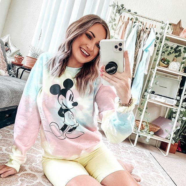 cozy mornings with mickey ♡  well, actually it's afternoon now — but it's just SO hard to get out of bed early now that it's rainy almost EVERY morning! ☔️ thunderstorm season is back and i definitely have a love/hate relationship with it. i wanna be productive, but this weather just makes me wanna curl up on the couch and watch @disneyplus alllll day long 😴 - but today, i'm gonna choose be lazy — i just need to find something to watch first! drop some show/movie suggestions (on netflix, hulu, disney+, amazon, etc) in the comments down below👇🏻 - using @amandawratepresets 'icy white' — link in bio!