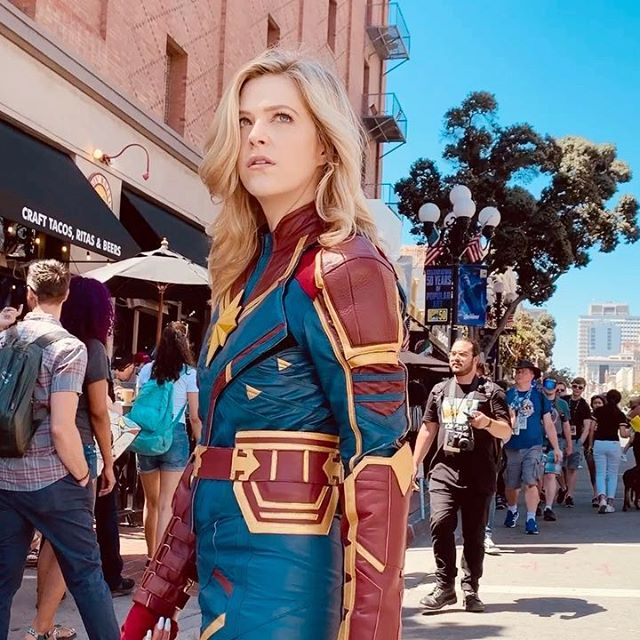 Throw back to Comic Con and my Captain Marvel cosplay last year 🌟 Who is your favorite superhero?