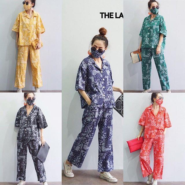 """790฿ ส่งฟรีลงทะเบียน📮 (hot) แบบใหม่ชิคๆ(hot) 🔻งานSet ลายผ้าเช็ดหน้า งานเซ็ท 3 in 1 ผ้า Cottonพิมพ์ลายผ้าเช็ดหน้า~เสื้อเชิ้ตกระดุมผ่าหน้า~กางเกงเอวสม็อค งานมีซิปหลัง มีกระเป๋า+มาพร้อมแมสค์เข้าเซ็ท 🔻งานเซ็ทฮ๊อตๆ🔥เหมาะกับคนคูลๆ ใส่ปุ๊บ!!เท่ห์ๆปั๊บ!!ค่ะลายนี้ ใส่กี่ทีไม่มีOut!!! มีติดตู้ไว้ไม่ผิดหวัง ทั้งดีไซน์และลายผ้า ชิคสุดค่ะคอนเฟิร์ม!! 🔻Size 🔻เสื้อ ↔️อก,เอว48""""⬇️ยาว23"""" 🔻กางเกง ↔️เอว26-36"""" ↔️สพ40""""⬇️ยาว38"""" 🌈มี5 ❗️แจ่มทุ้กกกสี~รีบสั่งนะค๊าา  #thelandmarkfashion"""