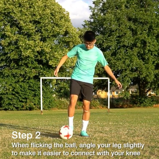 Learn how to do the knee akka tutorial - Tag a friend who should learn this!  #kimfootball #tutorial #soccer #football