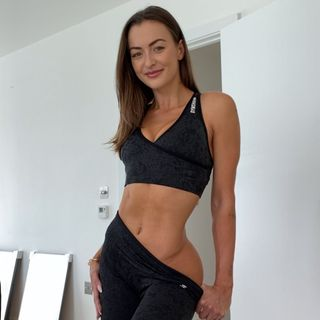 JESSICA OLIE | YOGA + WORKOUTS