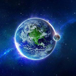 Мир Вселенных Юлия Панагаку