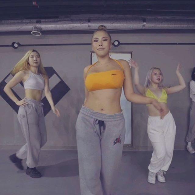 SAVAGE by @beyonce @theestallion ‼️New video alert‼️ #savage #savagechallenge #megantheestallion #beyonce📌Location : @_ljdance Choreographer : @jiwonshin.kr . #dance #choreography
