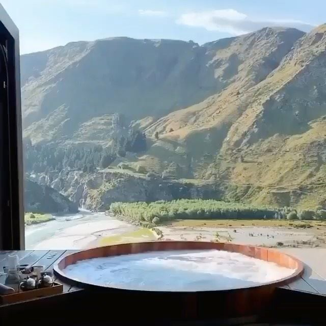 Onsen Hot Pools Retreat and Day Spa in Queenstown, New Zealand 🇳🇿 Video by: @emilyvenz  Tag someone you'd visit here with 💙