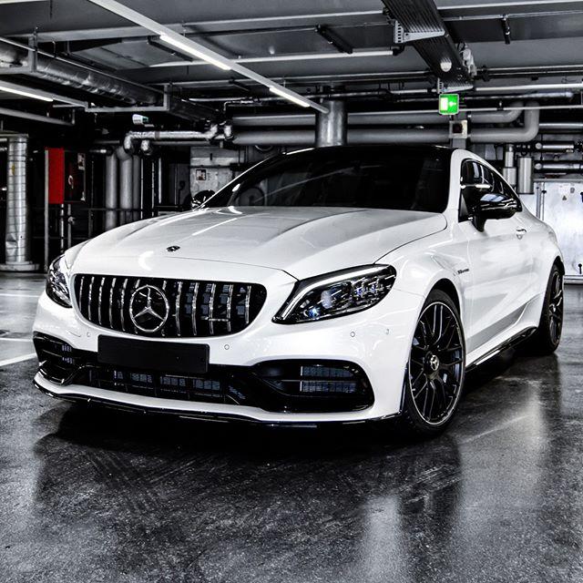 [Kraftstoffverbrauch kombiniert: 10,1 l/100 km | CO₂-Emissionen kombiniert: 230 g/km | mb4.me/DAT-Leitfaden | Mercedes-AMG C 63 Coupé] . Auch ein Weg, mehrere hundert Pferde zu besitzen. 😏 📸 @mbkundencenter . #MercedesAMG #Mercedes #AMG #C63 #Coupe #CKlasse #CClass #AMGC63 #DrivingPerformance #MBKundencenter