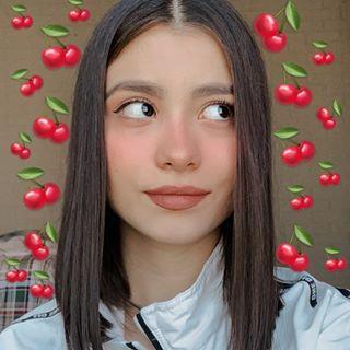 Alexandra 🍒