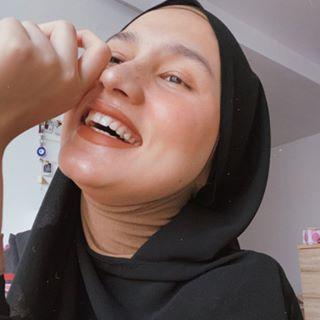 Dwi Handayani Syah Putri