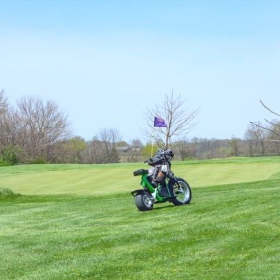 Time flys when you're having fun. #golf @scubasteve5860 @finnscooters