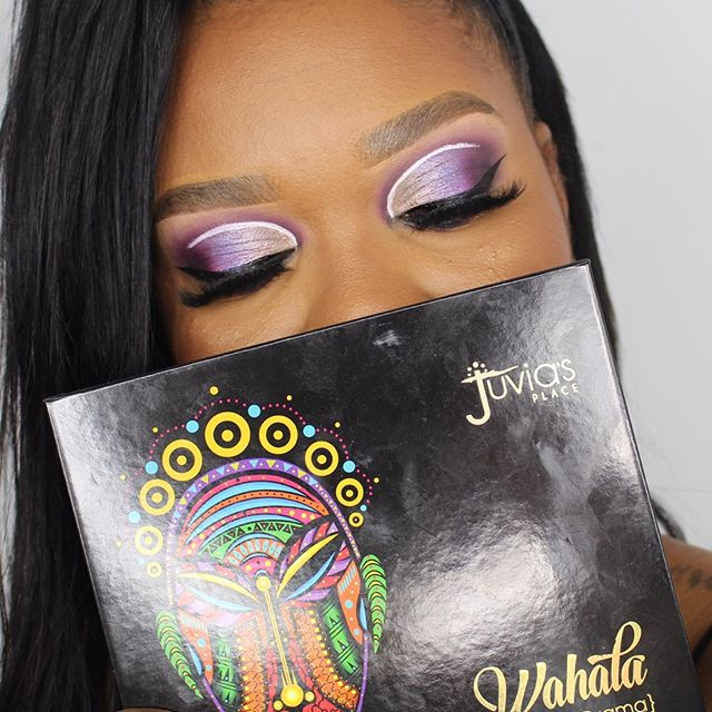 ~ 83/100 W A H A L A Palette @juviasplace  Deuxieme look beaucoup plus soft que le premier avec le #WahalaPalette  MAKE UP DEETS Full Face @juviasplace  I'm magic Foundation I'm magic Concealer I'm magic Setting powder The Saharan blush Vol 1 Wahala Palette  #beautyslay #blackmuaunite #makeupnaturalista #makeupbeautyhub #juviasplace #muaunder10k #hairandmakeupdiary #brownmelaninmua #makeupforbeginners #makeupenthusiasts #melaninbeautiesunite #melaninmakeupdaily #makeupforblackwomen #make4glam #fiercesociety #blendtherules #fakeupfix #muaannouncer_ #wakeupandmakeup #makeupinspo #makeupformelanin #thelist #featuringmuas
