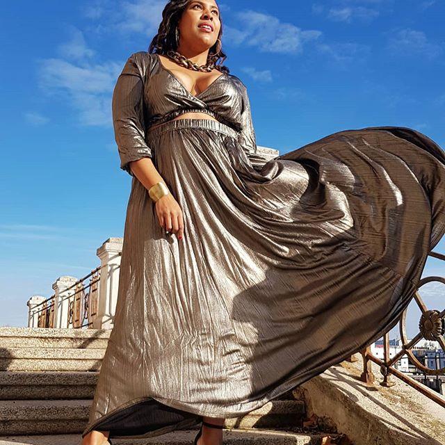 [Advertisement unpaid/Pr Sample] How to STOP a determined woman... YOU CAN'T !! ⚘ 👗Stunning gold Look from @astrasignature  www.astrasignature.com/ 🎁 Aurora gold crop top & Aurora gold maxi skirt #wearastra #astrasignature . . . . . 📷 @juliaarocker 🥰 . . . . . . . .  #curvyds #gold #goldenconfidence #golden #lookoftheweek #lookoftheday #curvylook #curvylookinspiration #curvyfashion #psfashion #plussizefashion #ootd #photooftheday #ootdplus #instapic #stylehasnosize #effyourbeautystandard #everybodyisbeautiful #mystylishcurves #honormycurves #celebratemysize #loveyourself #fashion #friday