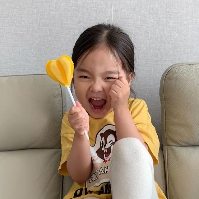 ⠀⠀⠀⠀⠀ 너모너모 사랑스러워서 1일 1콩송 불러달라구 z조릅니다,,😭 ⠀⠀⠀⠀⠀ ⠀⠀⠀⠀⠀ #세니#일상