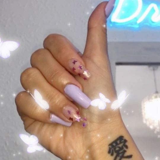 Omg guys I gave in to polygel! 🥴 It's not perfect at all but considering it's my first time EVER doing this I was actually proud of myself for managing to get a set on! 😂 You guys know how much I suck at painting my nails so this is a bloody miracle 😅💖 Stay tuned on my YouTube to see the struggle 🥴 ______ #polygelnails #polygel