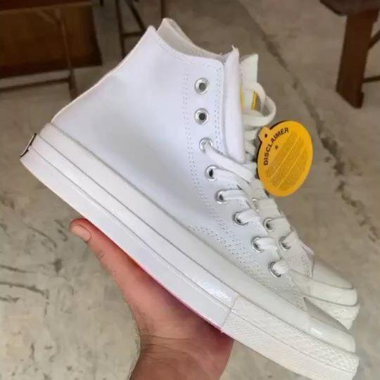 Lagi Di Store Offline @Suhu_shop Sneakers Gila Murah Banget loh cuma 300rban • Dan masih banyak koleksi sneakers di @suhu_shop, Bisa Online Dan Offline • Alamat store offline  JL SUBUR NO 1 PONDOK PINANG KEBAYORAN LAMA JAKARTA SELATAN