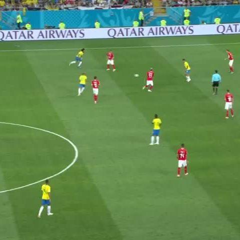 Quando o aniversariante leva pra direita... . . . #Coutinho #Brasil #Vasco #Barcelona #Bayern