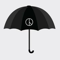 우산을 든 청년들