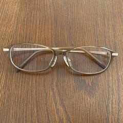 はちの眼鏡