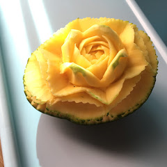 Trangly Fruit Carving