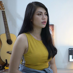 Julia Vio Live Acoustic