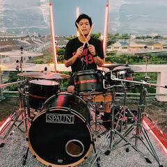 VR2 Drummer
