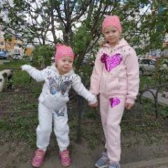 Вика и Оля