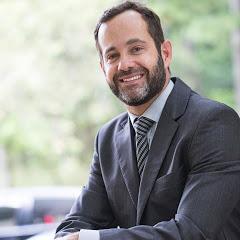 Dr. Gustavo Alvarez - Cirurgião Plástico