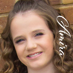 Amira Willighagen | Official