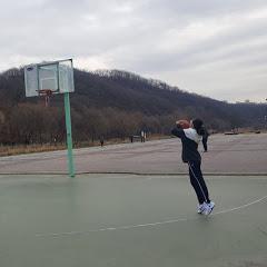 농구하는여학생