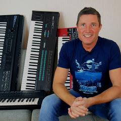 Woody Piano Shack