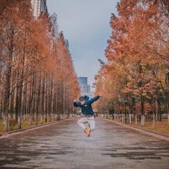 跳舞潜水的稻草仁-Scarecrow