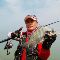 邱奕榮愛釣魚