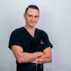 Dr. Federico Baena Q