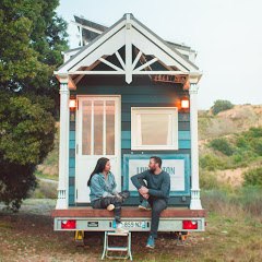 TINY HOUSE LIVINGSTON