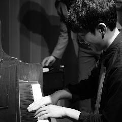 피아노치는남자 임채선